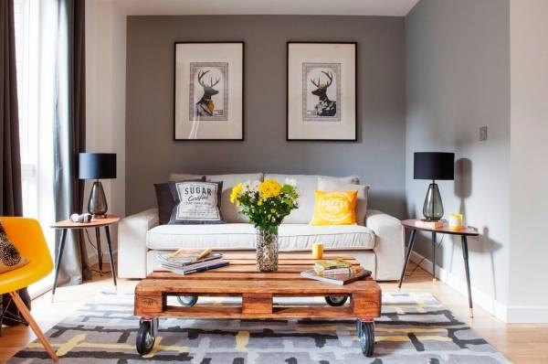Стильное сочетание цветов с желтым цветом в гостиной
