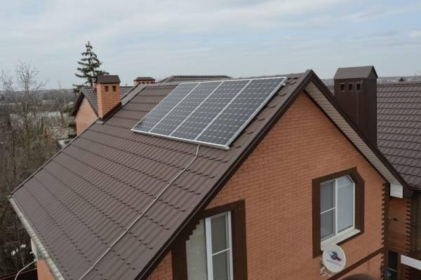 Дизайн частного дома с солнечными панелями