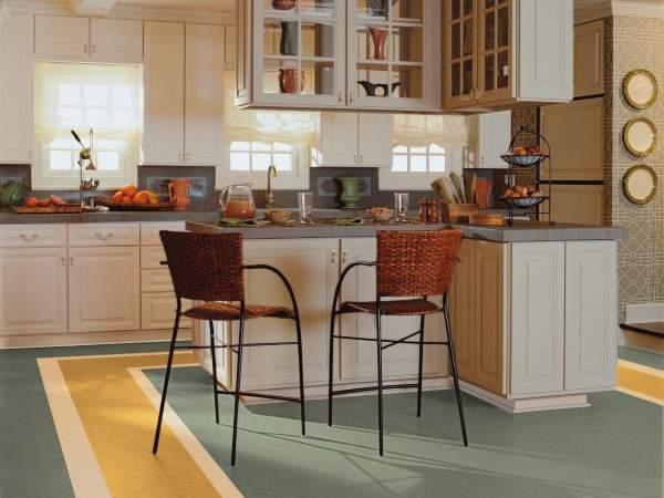 Желто-зеленый линолеум в интерьере кухни