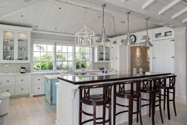 Лучшее напольное покрытие для кухни - что выбрать?