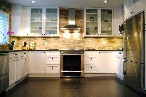 Как выбрать напольное покрытие для кухни - обзор материалов