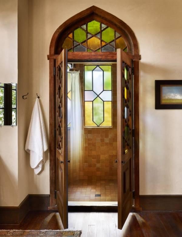 Деревянные душевые двери распашные
