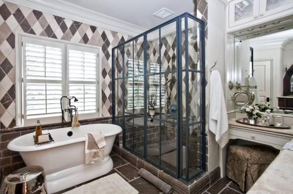 Красивый душ - фото в дизайне ванной