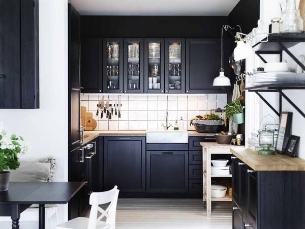 Стильные маленькие угловые кухни черного цвета