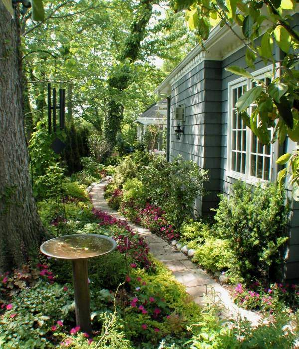 Укладка садовых дорожек из камня на даче