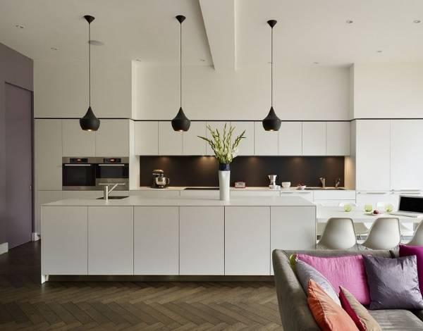 Матовые черные светильники для кухни в интерьере фото