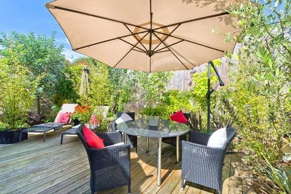 Идея для дизайна летней террасы частного дома
