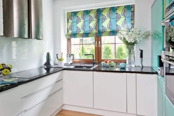 Современная римская штора на кухню - фото 2016
