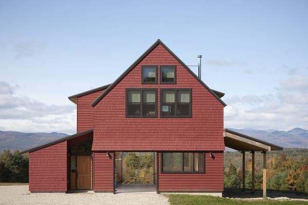 Модные сочетания цветов крыши и фасада 2016: красный и черный