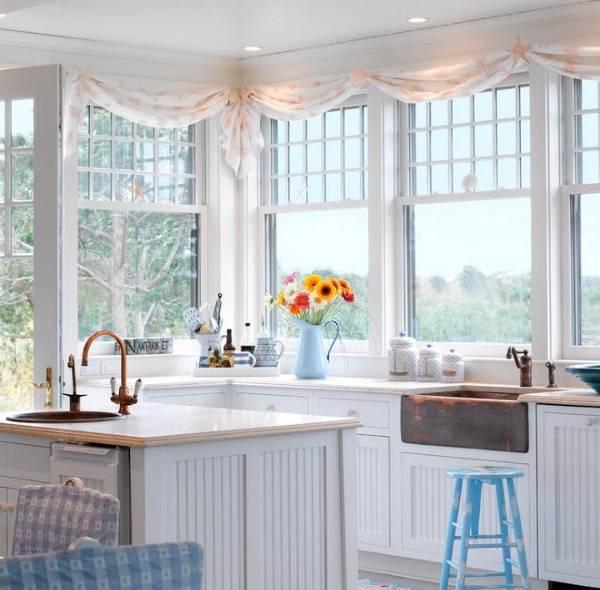 Короткие маленькие шторы на кухню - фото 2016