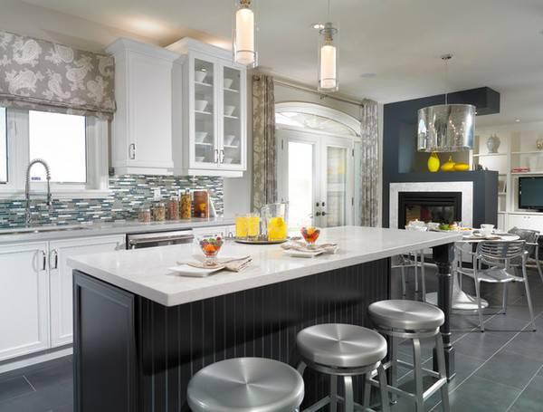Комбинированные шторы для кухни в классическом стиле