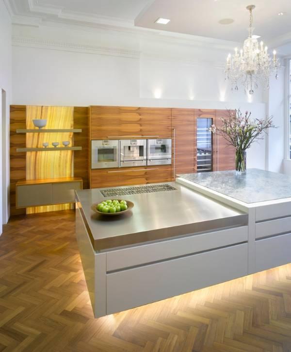 Шикарная люстра для кухни и светодиодная подсветка под шкафы