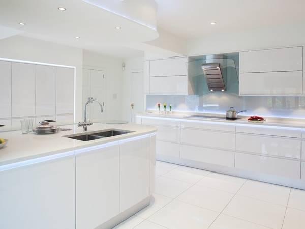 Светодиодная подсветка - дизайн освещения на кухне фото