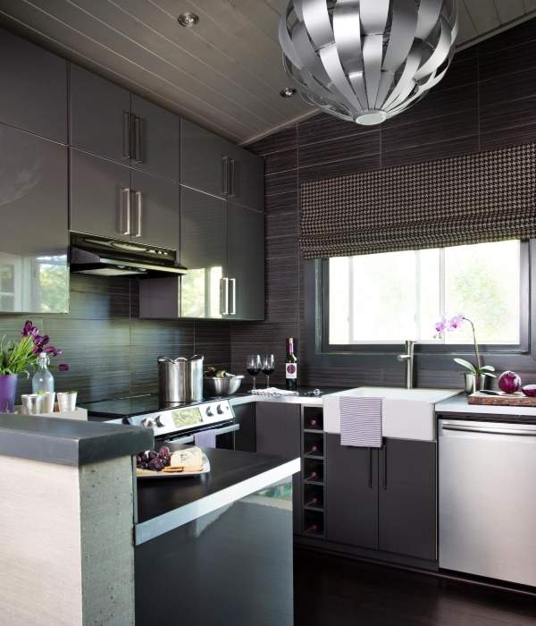 Современные шторы для маленькой кухни - фото