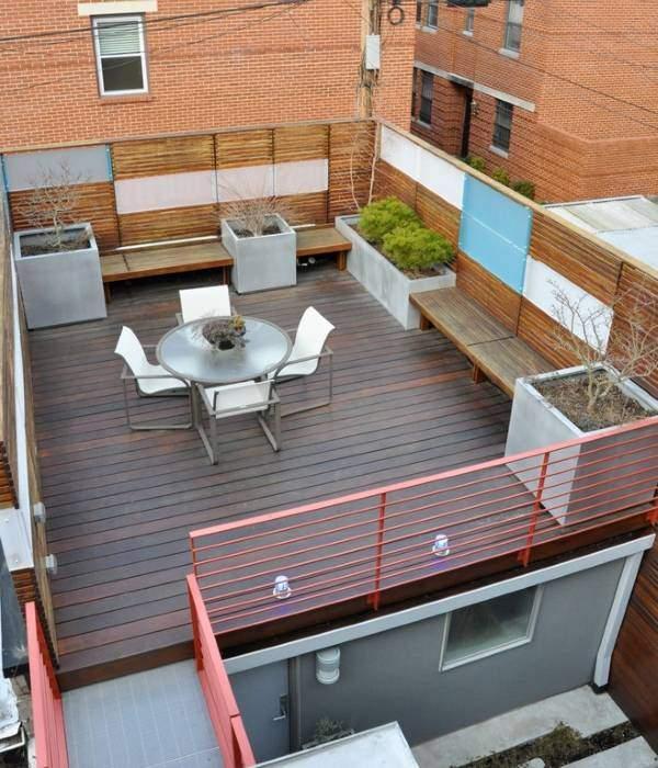 Идея для ограждения террасы на крыше дома