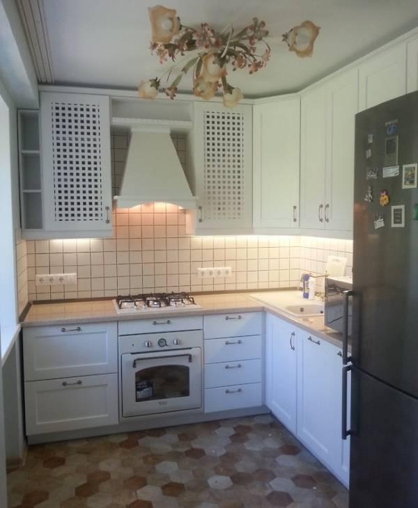 Малогабаритные угловые кухни - фото дизайн в интерьере 2016