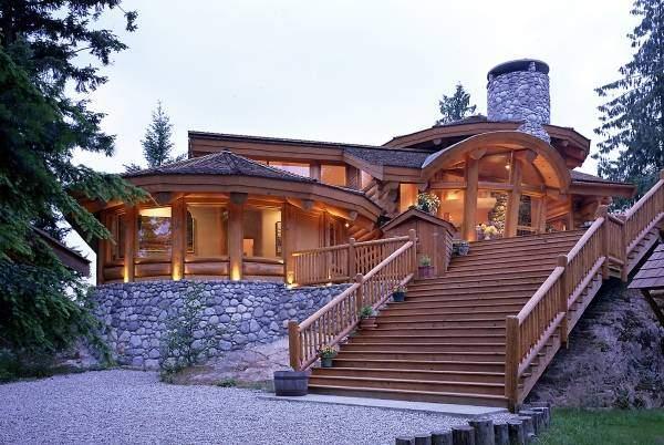 Необычные фасады деревянных домов