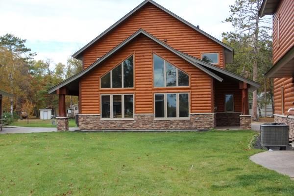 Фасад деревянного дома - фото частных домов снаружи