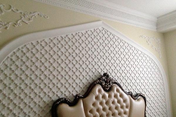 Декор из пенопласта в дизайне спальни