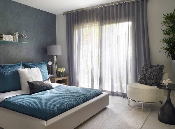 Современная спальня в сером и зеленом цветах 2016