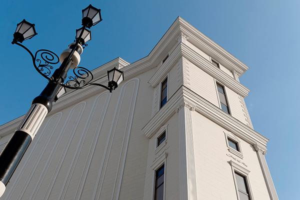 Полиуретановый декор для фасада дома - фото