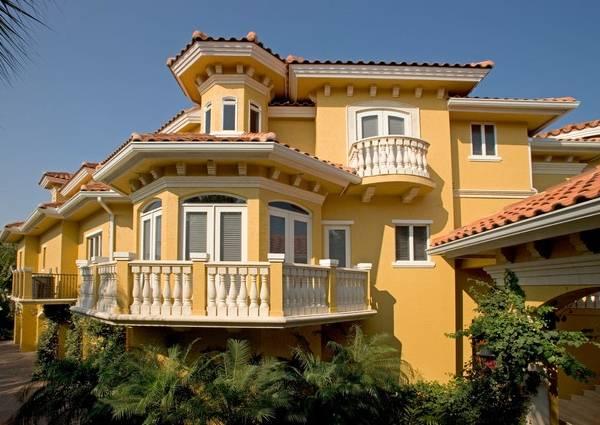Полиуретановая лепнина для фасадов - фото частного дома