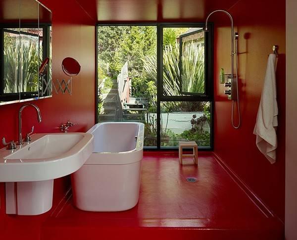 Варианты покраски стен в квартире - красный цвет в ванной