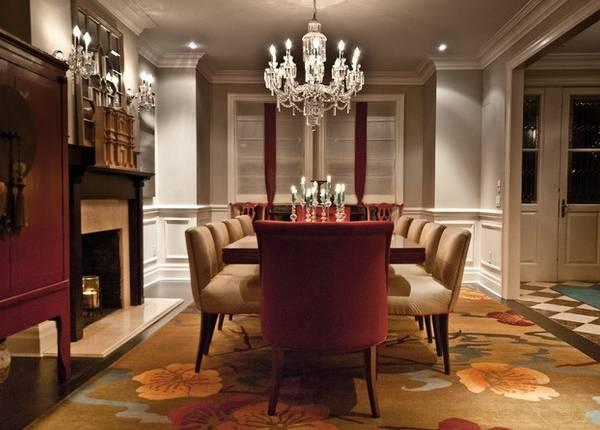 Современная декоративная лепнина из пенопласта в интерьере зала