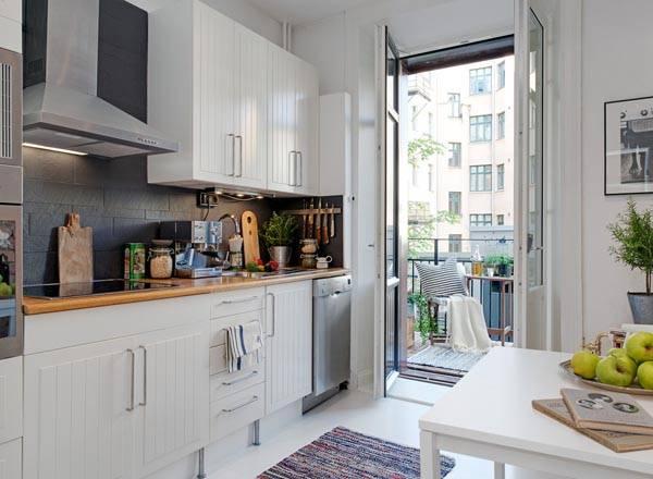 Современный дизайн маленькой кухни в черно-белом цвете