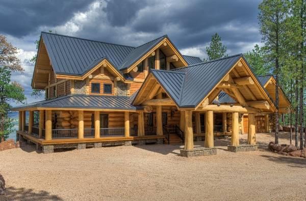 Красивый фасад деревянного дома - фото частных домов 2016