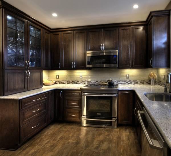 Роскошные кухни 10 кв м - фото с деревянной мебелью на заказ