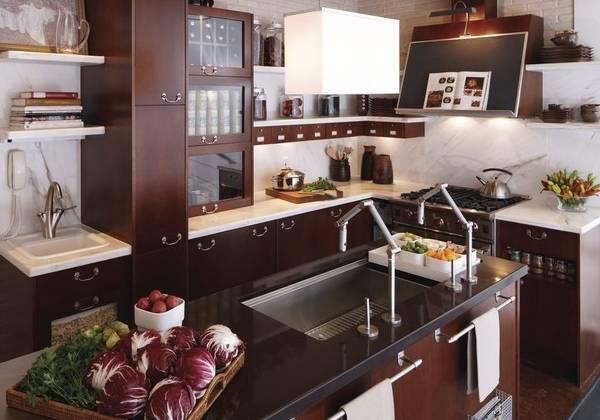 Дизайн кухни в малогабаритной квартире - фото с островом
