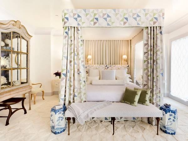 Современный дизайн спальни - фото с балдахином