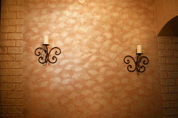 Дизайн интерьера с декоративной краской рельефной - фото