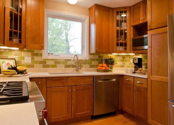Стильный интерьер кухни 9 кв м - фото П-образной кухни