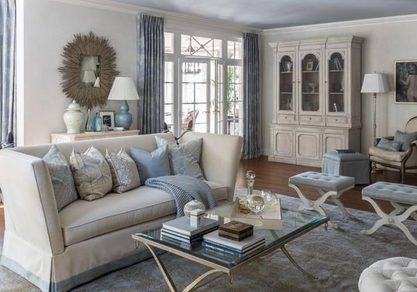 Красивые витрины для гостиной классика
