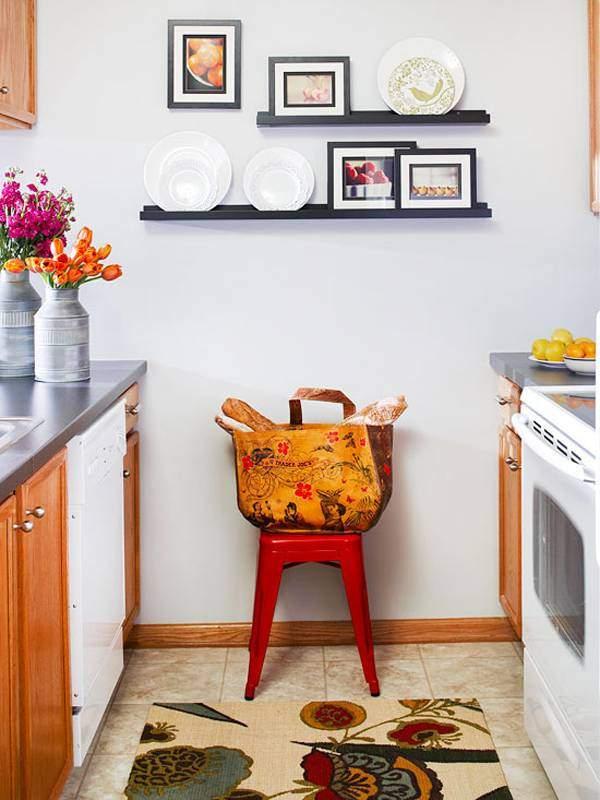 Как украсить стену кухни фотографиями
