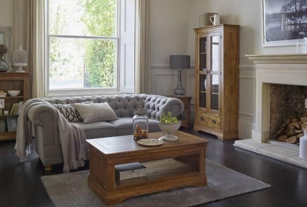 Деревянный сервант витрина для гостиной