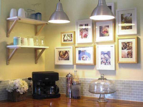 Что можно повесить на стену - фото интерьера кухни
