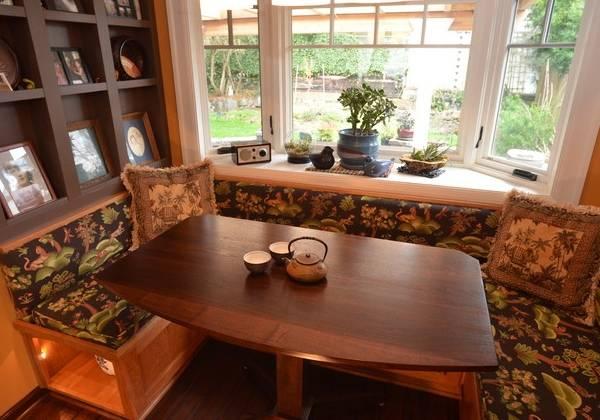 Загородный дизайн кухни с эркером - фото интерьеров дома