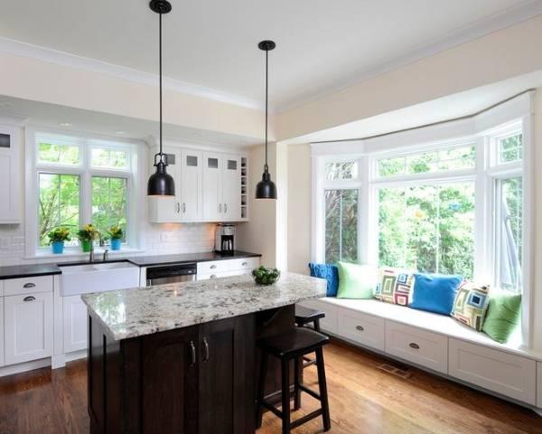 Стильная кухня с эркером в частном доме - современный дизайн фото