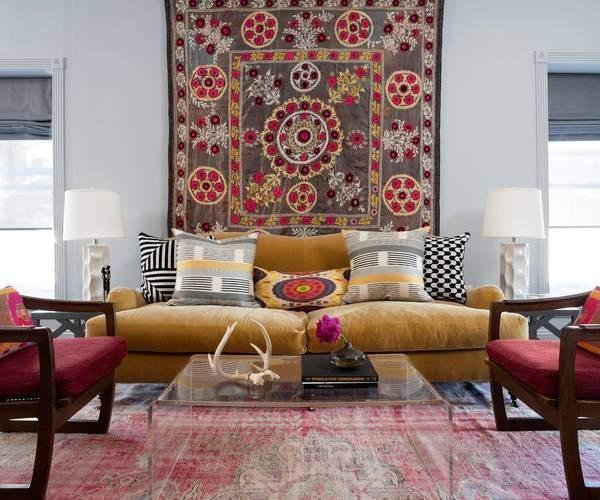 Яркие мебельные ткани с узором - фото интерьеров