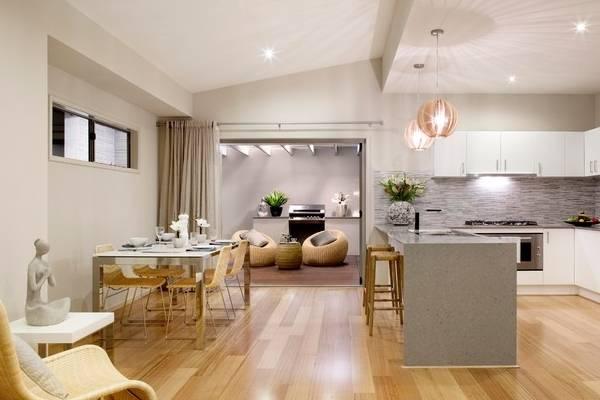 Плетеная мебель в интерьере - фото стульев и кресел на кухне гостиной