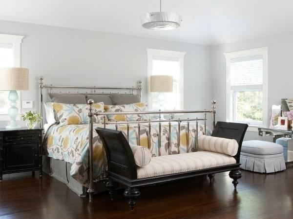 Серо голубой цвет в интерьере спальни в стиле прованс