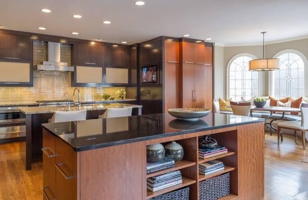 Современный дизайн кухни гостиной с эркером в стиле luxury