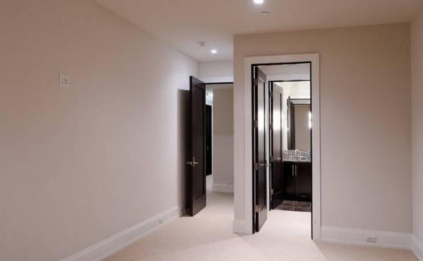 Как сочетаются двери и полы в интерьере - фото
