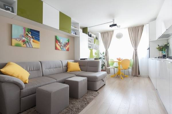 Планировка гостиной комнаты со столовой зоной
