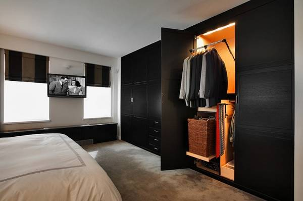 Небольшая гардеробная в спальне - подборка 25 фото