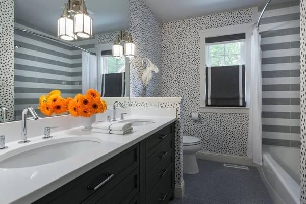 Комбинирование и плитки для стен - фото ванной комнаты