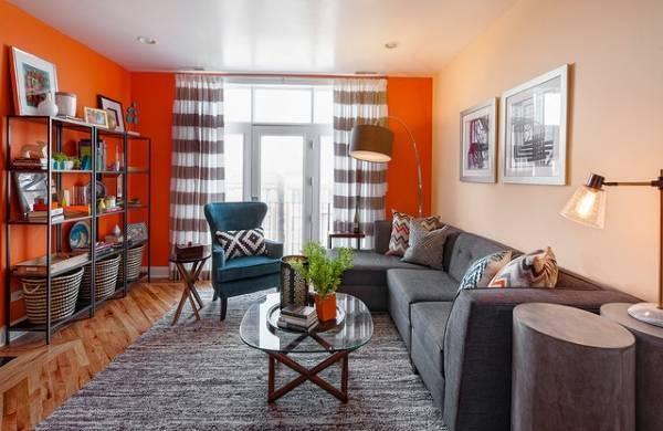 Как расставить мебель в гостиной - фото с балконом